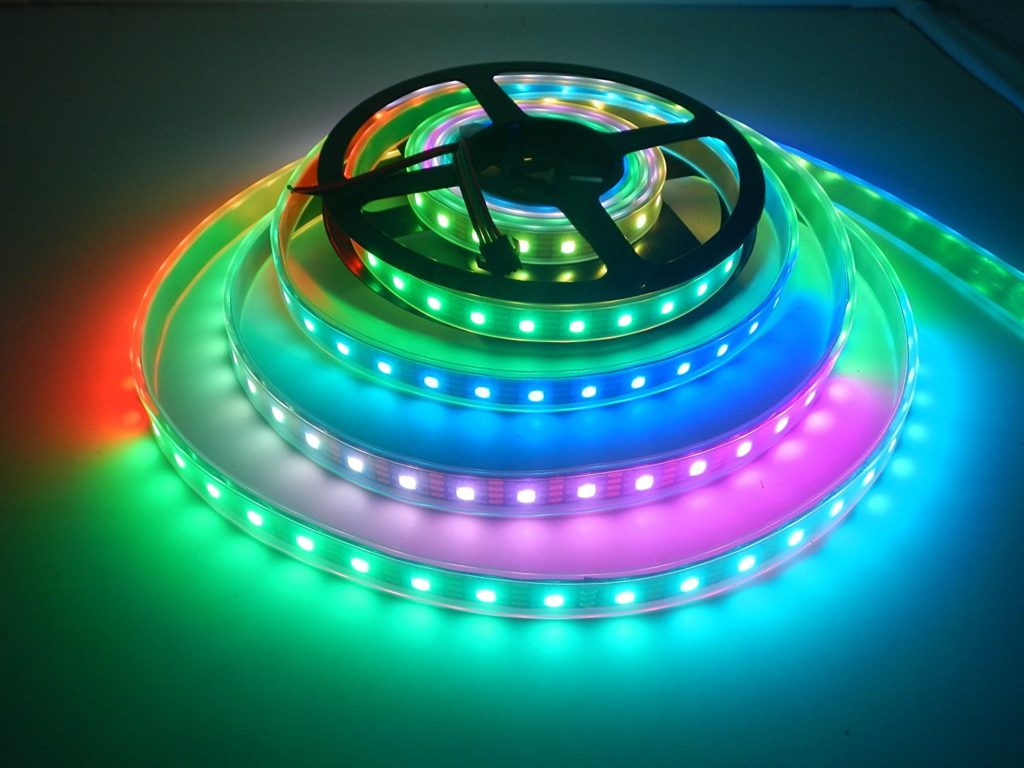 Raspberry Pi: APA102 LED Strip (RGB) per Python steuern